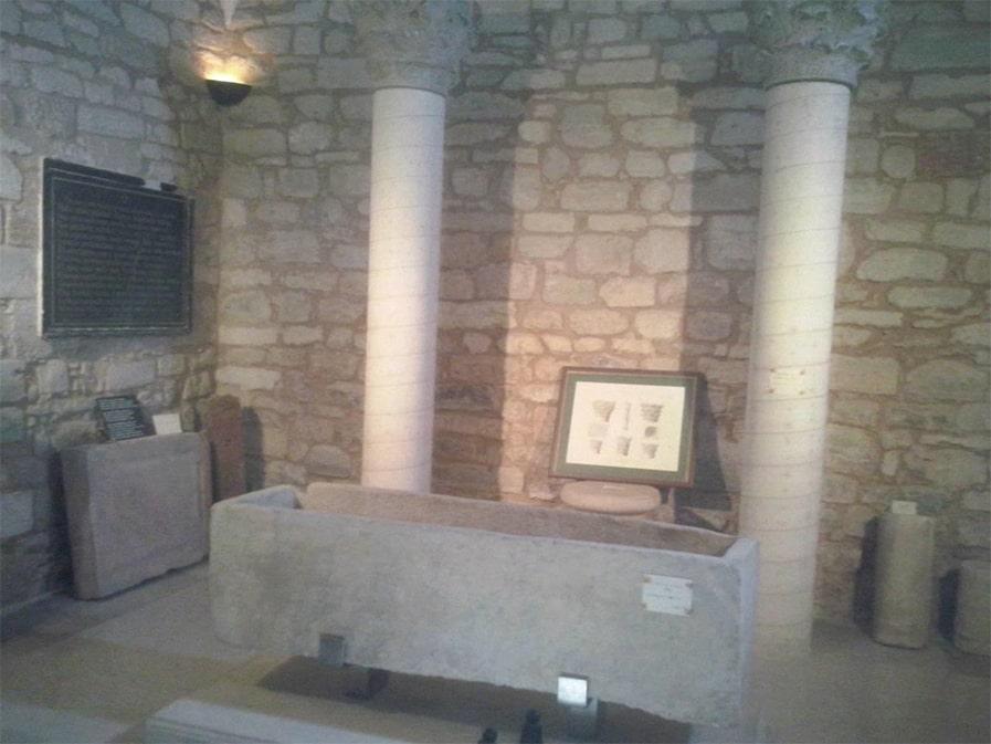 Elementos Visigodos en el interior de la Iglesia, San Román de Hornija - Orígenes de Europa