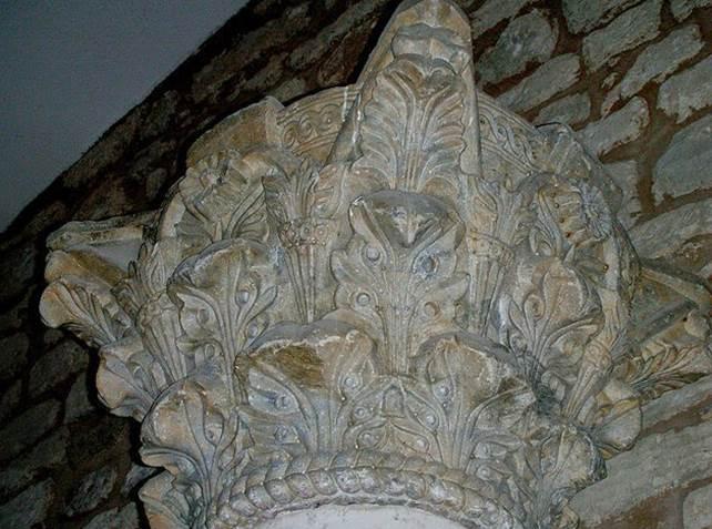 Capitel corintios conservados, iglesia de San Román de Hornija - Orígenes de Europa