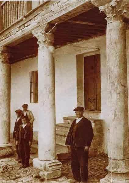 Porche de la casa prioral de San Román de la Hornija - Orígenes de Europa