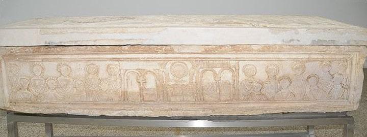 Sarcófago de la tumba atribuido a Sao Martinho de Dume (Braga) - Orígenes de Europa