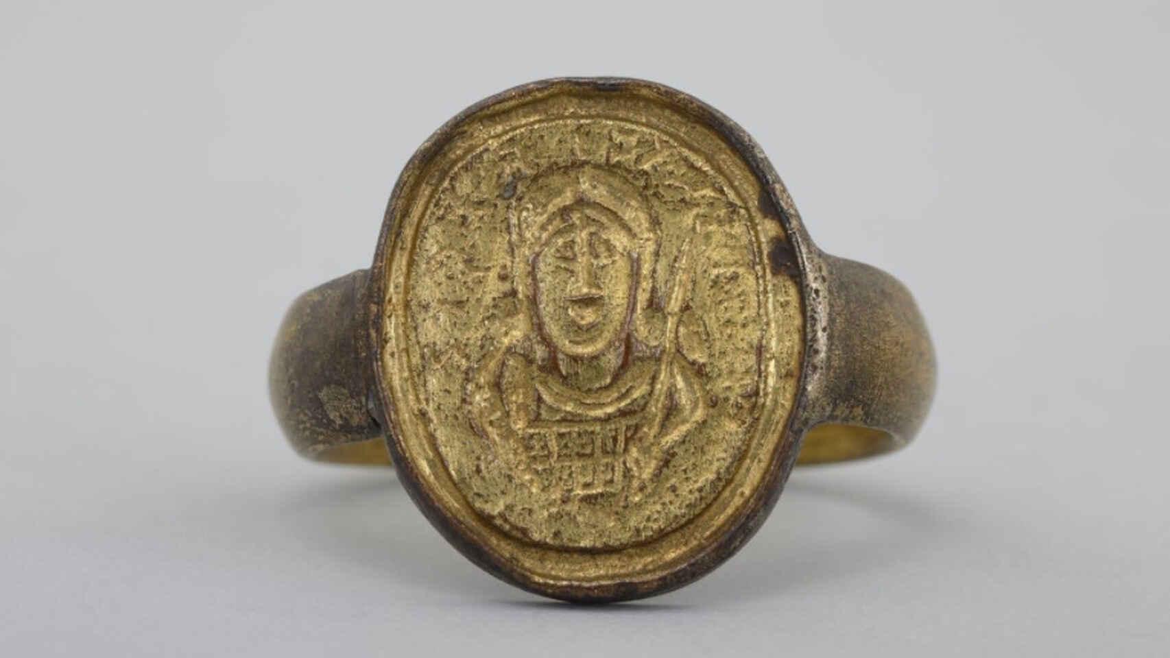 Facsímil del anillo del rey franco Childerico - Orígenes de Europa