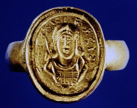 Réplica del sello con la imagen de Childerico encontrado en Tournai en 1653 - Orígenes de Europa