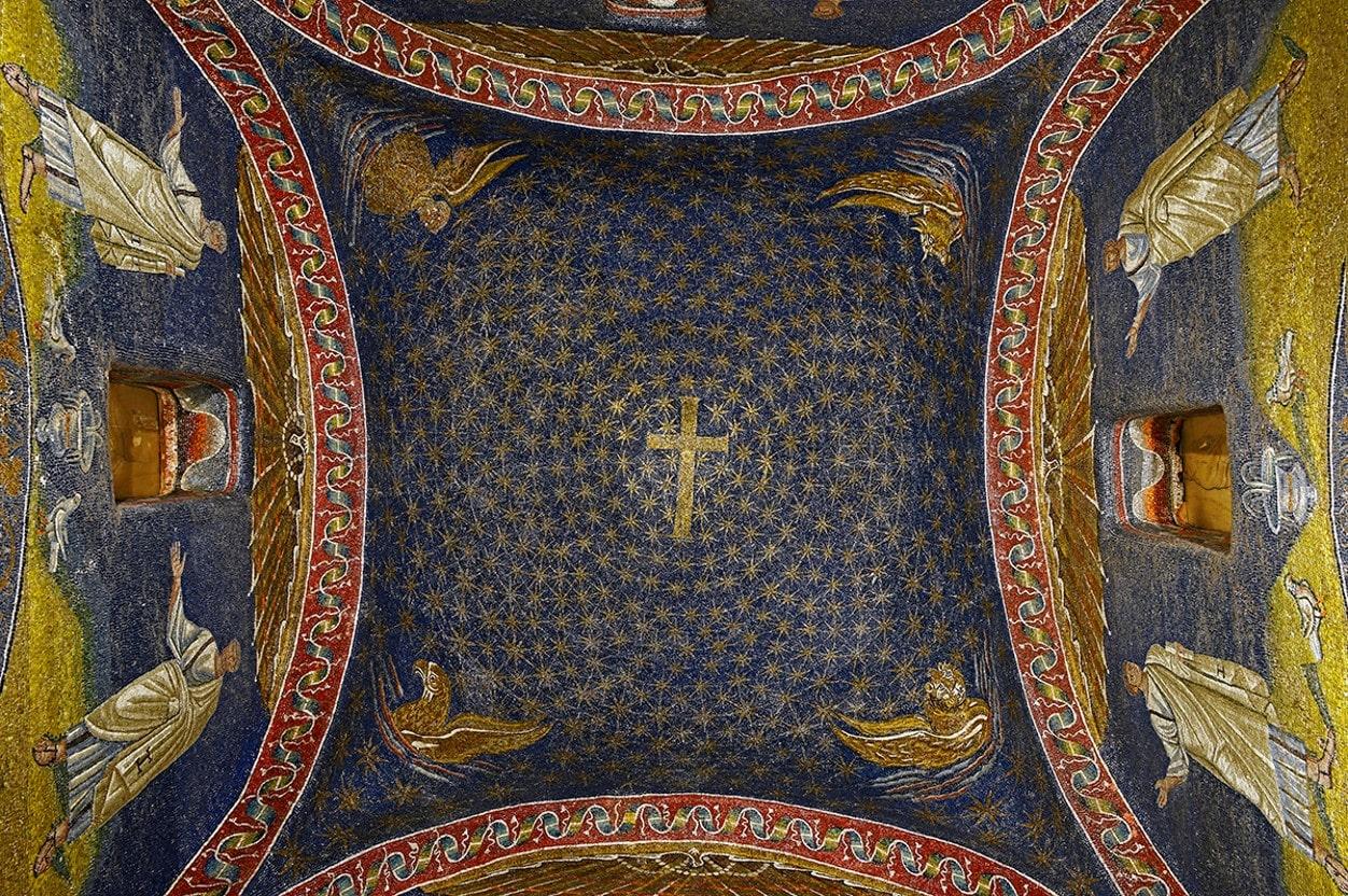 Cruz de la Cúpula del Mausoleo Gala Placidia - Orígenes de Europa