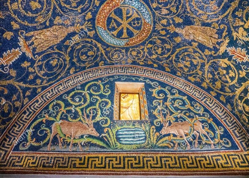 Decoración de una de las bóvedas laterales del Mausoleo Gala Placidia - Orígenes de Europa