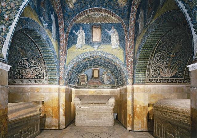 Interior del Mausoleo Gala Placidia - Orígenes de Europa
